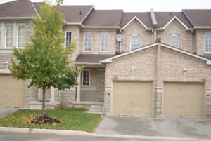 Executive 3BR Twhouse in Streetsville