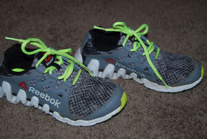 Reebok Sneakers - Size 1.5 Kitchener / Waterloo Kitchener Area image 2