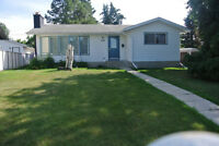 fantastic bungalow in Spruce Grove, solid house, bring offers