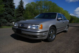 1989 Ford Taurus SHO - LOW MILEAGE, NO RUST, AND RARE