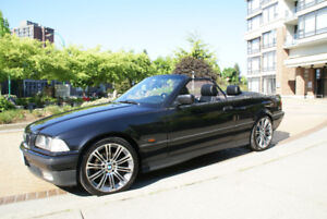 BMW 325 i Convertible LOW KM,