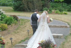 LICENSED WEDDING CELEBRANT Peterborough Peterborough Area image 6