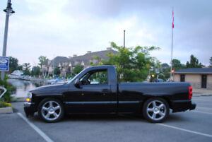 2006 GMC Sierra Regular Cab Short Box 2WD