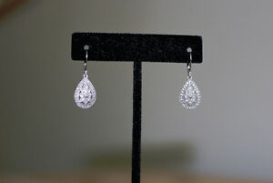 10K white gold drop-earrings with real diamonds