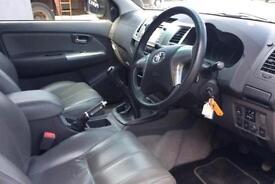 Toyota Hi-Lux 3.0D-4D Invincible FROM £67 PER WEEK