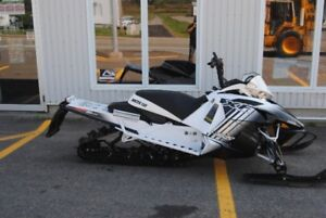 ARCTIC CAT XF8000 HIGH COUNTRY SNOW PRO LIMITED 2014