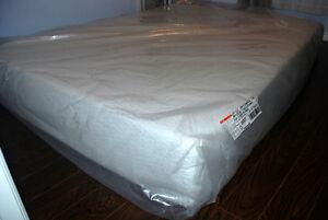 Cool Gel Memory Foam Mattress/Queen Size Cambridge Kitchener Area image 4
