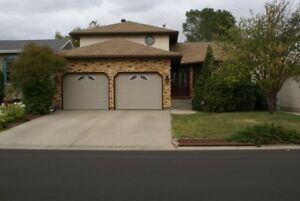 LAKERIDGE spacious house, hardwood & granite COMFREE.CA #769818