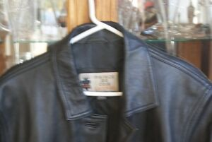 Beautiful new with tag leather jacket West Island Greater Montréal image 2
