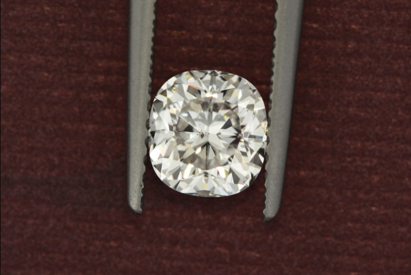 Moissanite 1.10 CT 6*6mm colour G,VVS1 Cushion Forever briliant