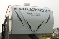 Rockwood Signature Ultralite 5th Wheel 8244WS