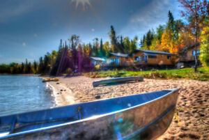 40% Off Deluxe Lake Front cabin rental Sept 22-Oct 14!