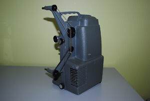 Vintage Holiday 8mm M-1000 Mansfield Movie Projector Kitchener / Waterloo Kitchener Area image 3