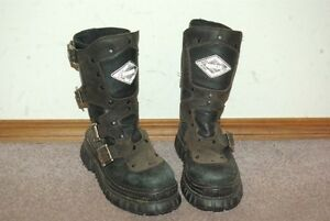 Pair of Bunker Boots (Goth)