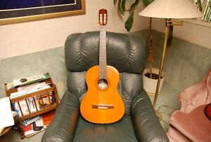 BOWING CLASSICAL GUITAR  AB 590A
