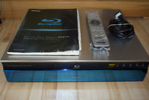 SONY BDP-S1 BLUE RAY PLAYER