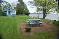 Waterfront cottage on Grand Lake for weekly rental