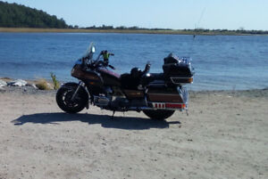 Two Goldwings both 1985 GL1200's California sidecar on one