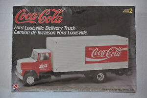 AMT Coke truck plastic model kit ( BRAND NEW ) !!!