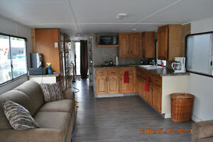 1986 houseboat for sale or rent.