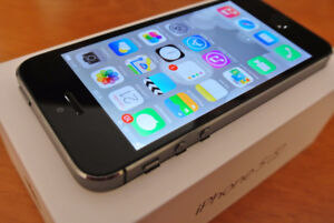 NICE IPHONE 5S 16GB BLACK ROGERS, CHAT R