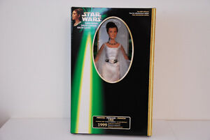 Star Wars Princess Leia Ceremonial Gown1999 Portrait Edition MIB
