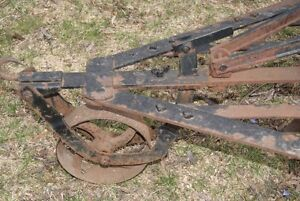 Antique plow - great piece of outdoor decor West Island Greater Montréal image 2