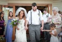 Professional & Experienced Wedding Photographer from $1695