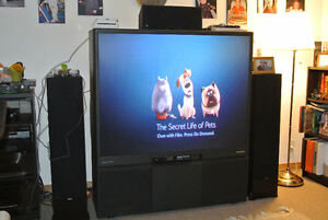"Toshiba TheatreView 60"" rear-projection TV"