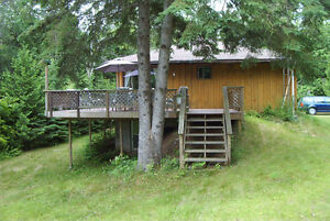LOVELY LAKESIDE COTTAGE - BANCROFT AREA $900 off season rate