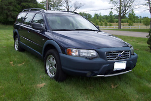 2003 Volvo XC70 2.5T AWD, 271,000 km - well maintained