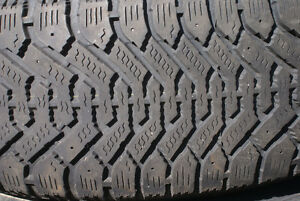 Winter tires and rims 225x60xR16 London Ontario image 3
