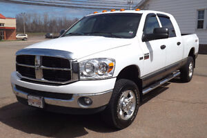 Dodge Ram 2500 SLT (SXT Package) - Fully Loaded