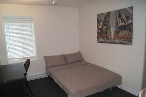 Belle chambre à louer au centre-ville de Hull / Room for rent