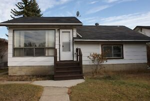 WEST END, 2B HOUSE FOR RENT, PETS ARE WELCOM!
