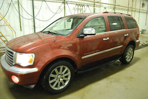2007 Chrysler Aspen SUV, Crossover