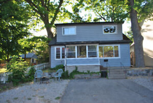 Downtown Grand Bend - comfy cottage for rent