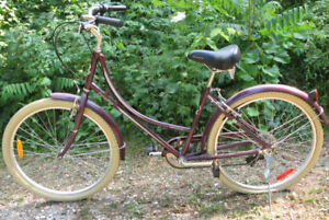 Women's Kensington Cruiser Bicycle $110 Read ad for Details