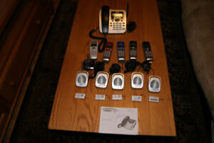 Uniden  DECT 6.0 phone with 5 receivers