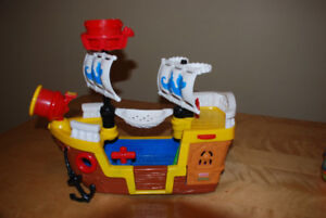 bateau pirate fisher price