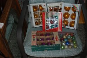 VINTAGE CHRISTMAS GLASS ORNAMENTS CANADA POLAND 2 BONUS BOOKS