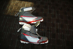 Woman Cross Country shoes - size 7.5