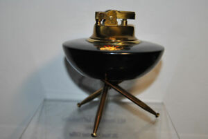 Retro 1950s Table Lighter with Black Lacquer Top and 3 Legs