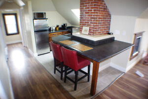 Downtown Cathedral Loft Suite - available August