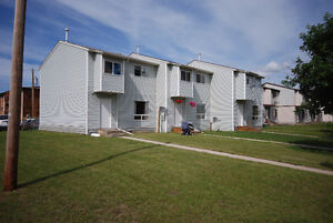 3 Bdrm Townhouse,May FREE RENT, Avail. Immed, . @ Stettler,AB.