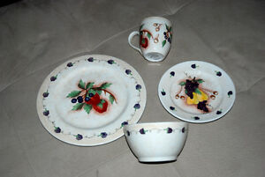 DISHES - PLACESETTING FOR 12 PLUS MATCHING ACCESSORIES