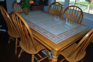 7 pcs dinning set - table with 6 chairs