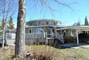 Custom Lakefront Home on Mitchell Bay- Horsefly