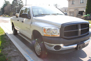2006 Dodge Power Ram 2500 HEMI Pickup Truck