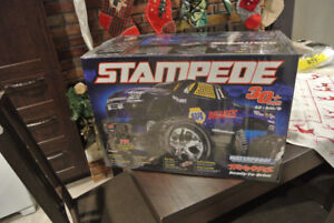 Traxxas 1/10 scale Stampede Monster Truck NAPA Edition